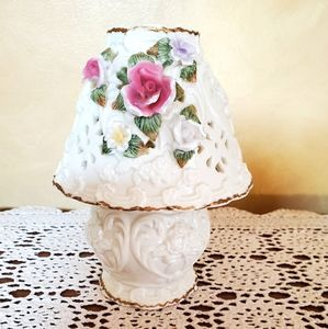 Vintage floral heart candle holder